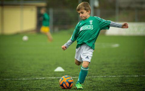 En aktiv livsstil gør dit barn gladere